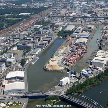 Osthafen in Frankfurt muss nachhaltig gestaerkt werden.
